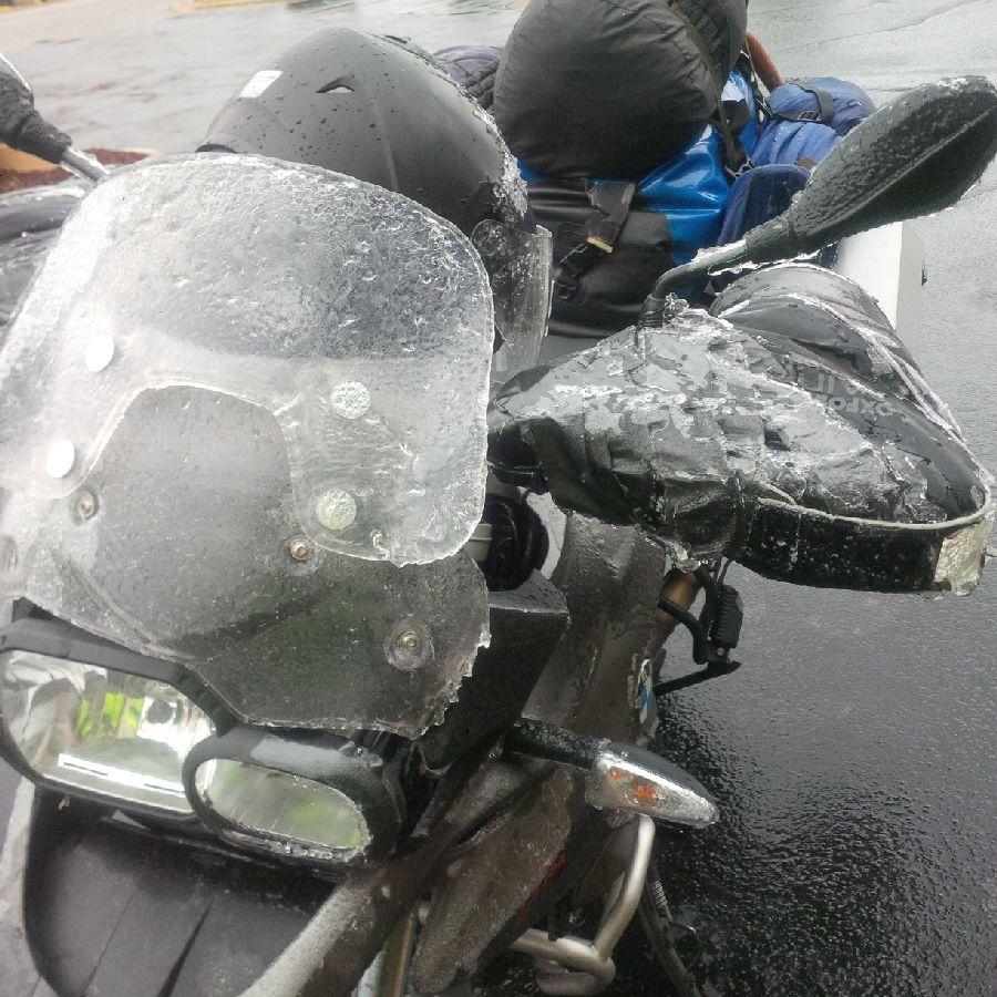 20160212_1616_iceOnbike