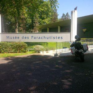 20160608_1131_bikeFrenchParachuteMuseumSign_sm